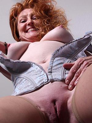 beautiful mature mom solo porn pics