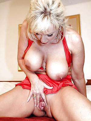 free pics of mature women solo