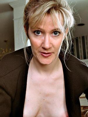 elegant nude mature selfshot mirror porn pics