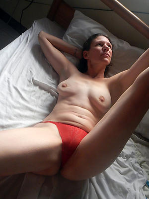 extravagant mature battalion in women's knickers homemade porn pics