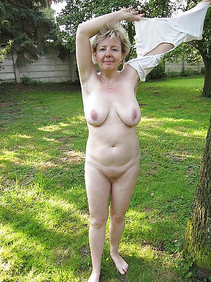 gorgeous mature out of pocket nude pics