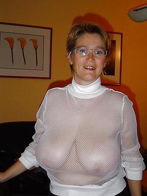 nonconformist nude XXX mature women