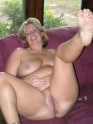 beauties mature sexy feet porn photo