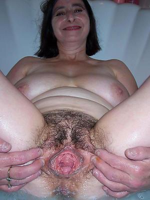bonny naked hairy mature body of men pics