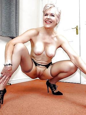 mature apropos heels posing nude