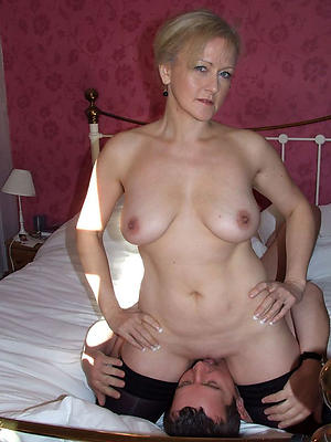 eating adult pussy porn pics