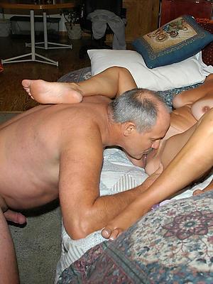 beautiful mature women eating pussy nude pics