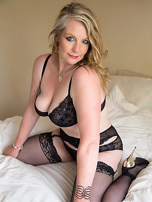 slutty nude mature models porn pics