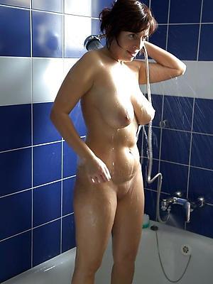mature women showering love porn