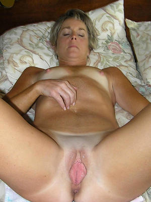 mature puffy pussy stripped