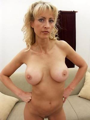 hotties mature and single women nude photos