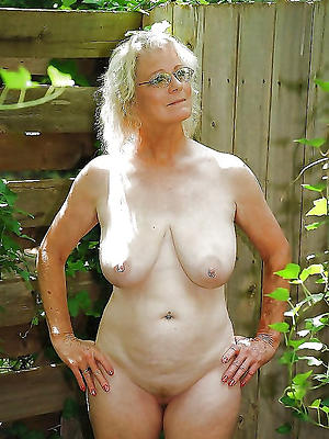 free pics of mature wife sexy