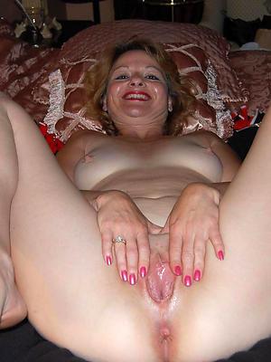 fantastic matured shaved women porn gallery