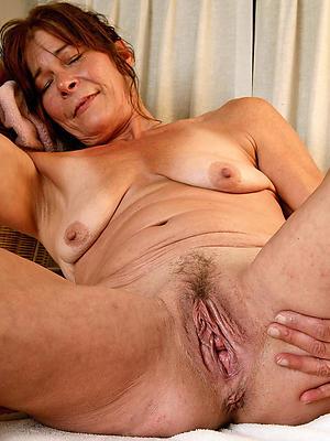 gorgeous mature hairy vagina nude pics