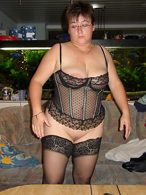 beautiful sexy mature about lingerie