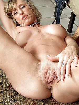 beautiful sexy mature nude pics