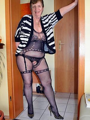beautiful grandma nude pics