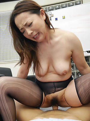 naught mature asian hairy pussy pics
