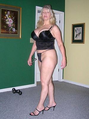 fantastic mature housewives naked photo