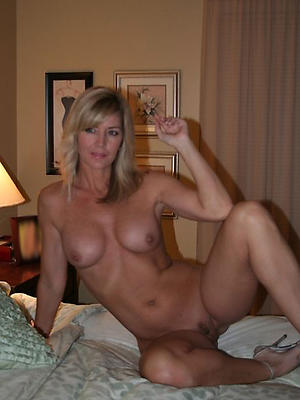 gorgeous grown-up housewives naked pics