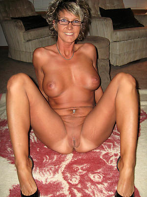 free pics of milf housewives