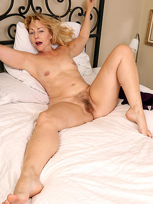 whorish tyro mature small tits porn pics