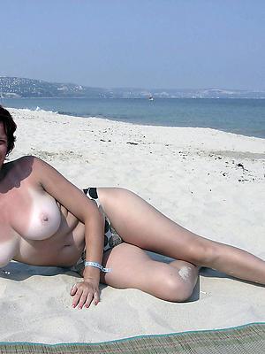 beautiful mature beach nudes porn pics