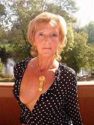 hot grannys stripped