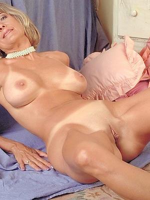 gorgeous vintage mature pussy porn photo