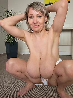 amateur saggy mature boobs stripped