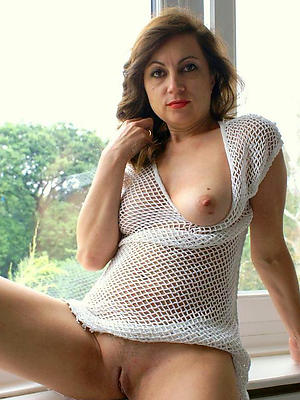 fine down in the mouth mature nudes pic
