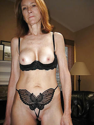 hot mature wifes posing nude