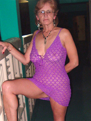 curvy old lady pussy porn picture