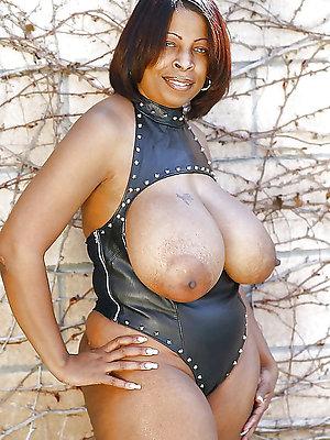 beauties matured ebony nude pics