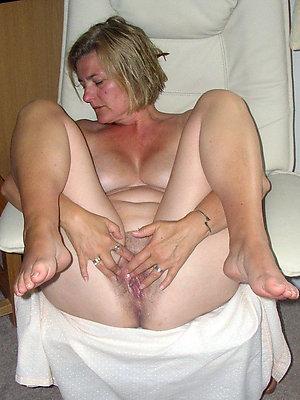 naughty mature feet sex galleries