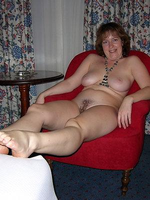 mature feet soles posing nude