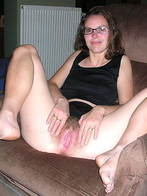 naughty mature woman feet