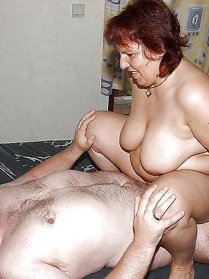 hotties free mature fuck pics