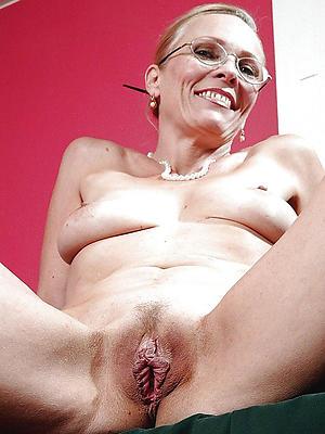 horny mature ladies pics