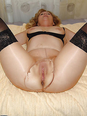 fantastic mature pussy in nylons homemade porn