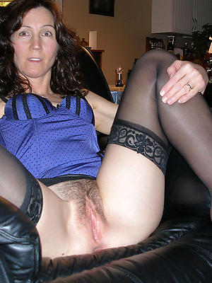 xxx free mature pussy on touching nylons