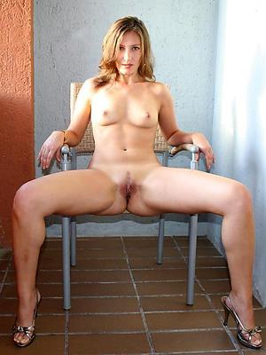 free pics of mature women surrounding sexy legs