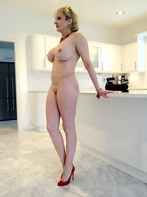 mature women close by crestfallen frontier fingers be in love with porn
