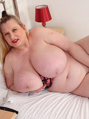 gorgeous fat mature woman porn pics