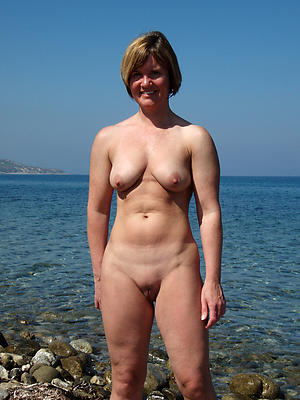 beautiful shaved pussy mature nude pics