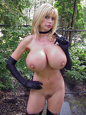 gorgeous matured blonde busty nude pics