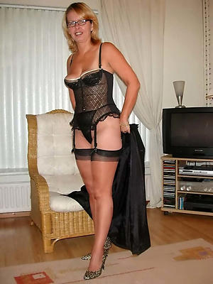 fantastic mature in stockings pictures