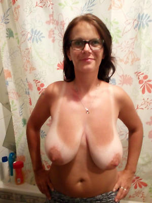 free pics of mature saggy breast