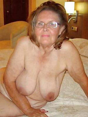 beautiful mature saggy tit nude pics