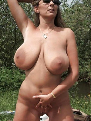 easy pics of mature big natural tits
